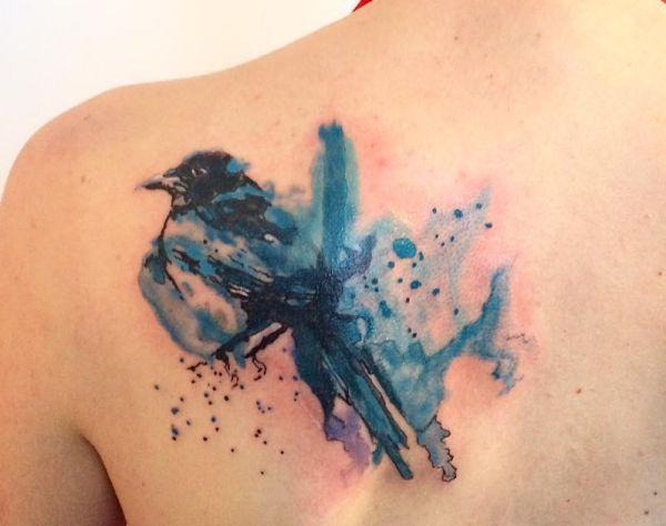 Aquarell Elster Tattoo am Schulterblatt