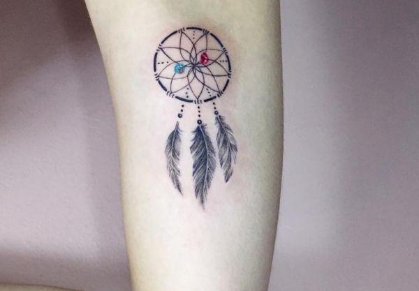 Kleiner Traumfänger Design auf dem Arm