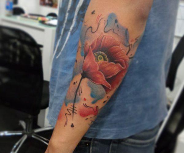 Wasserfarben Tulpen Design am Unterarm