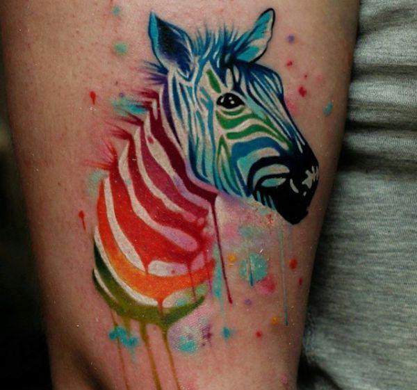 Wasserfarben Zebra Design auf der Bein