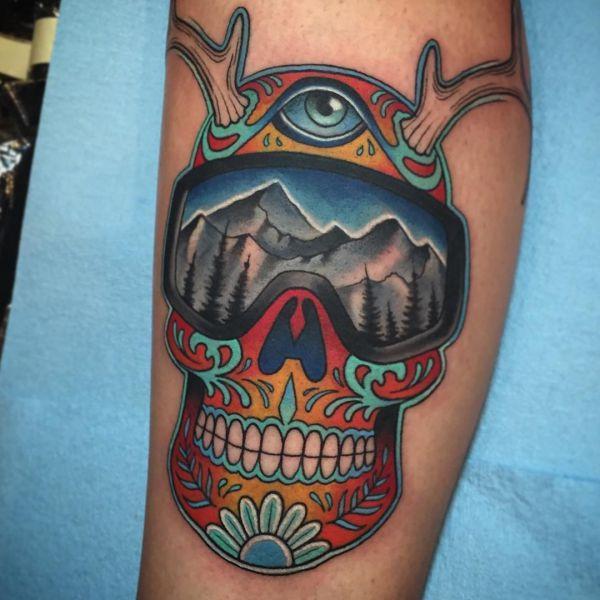 Abstrakt Zuckerschädel Tattoo Design am Unterschenkel