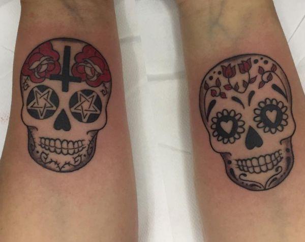 Zuckerschädel Tattoo Design am Handgelenk