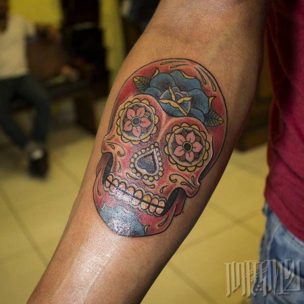 Zuckerschädel Tattoo Design am Unterarm